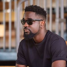 Michael Owusu Addo, known by his stage name Sarkodie, is a Ghanaian hip hop recording artist and entrepreneur from Tema in the Greater Accra Region of Ghana is still Alive...   #Sarkodie #Sarkodie not dead