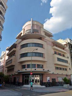 Cine Barceló. Madrid. Obra de Luis Gutiérrez Soto en 1930.