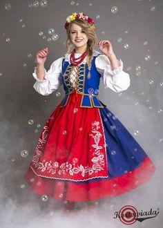 "lamus-dworski: ""Students of the University of Warmia and Mazury in Olsztyn dressed in Polish folk costumes, via Kortowiada. Traditional Fashion, Traditional Dresses, Poland Costume, Polish Embroidery, Polish Clothing, Polish People, Polish Folk Art, Costumes Around The World, Style Ethnique"