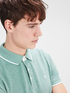 Dress up your shorts with this short sleeved polo with white detailing | JACK & JONES