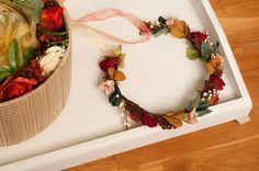 Corona de flores simple con cinta de organza. por Georgina41