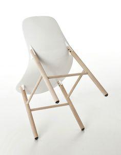 sharky chair by Neuland Paster&Geldmacher to kristalia