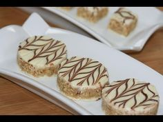 Recette : Petits Gâteaux aux Amandes & Chocolat Blanc – Recettes Maroc Chocolate Treats, Chocolate Recipes, Chocolate Cake, Cake Decorating Tips, Cookie Decorating, Eid Biscuits, Cookie Desserts, Dessert Recipes, Eid Sweets