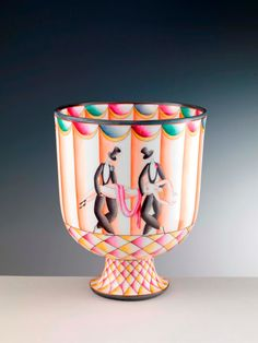 Richard Ginori ceramics by Gio Ponti. /the-elegance-of-modernity-richard-ginori-ceramics-by-gio-ponti-on-exhibit-in-turin/ Gio Ponti, Art Nouveau, Art Deco Era, Turin, Porcelain Ceramics, Geometric Shapes, Pottery, Hand Painted, Exhibit