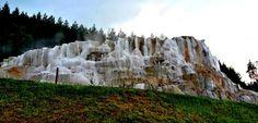 A világ egyedülálló csodája Egerszalókon, amit mindenkinek látni kell! Most Beautiful, Beautiful Places, Heart Of Europe, Hungary, Budapest, Mount Rushmore, Places To Go, Mountains, Nature