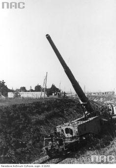 """Leopold "" railcannon at Nettuno / Anzio Railway Gun, Landing Craft, Ww2 Photos, Rail Car, Big Guns, Military Weapons, German Army, Panzer, Aircraft Carrier"