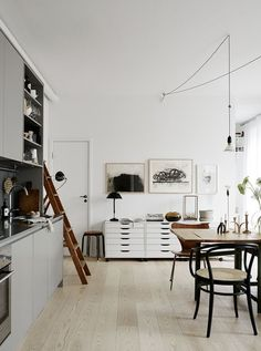 einrichtungsideen küche einrichtungstipps esstisch retro stühle vintage wohnstil