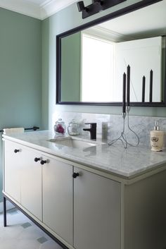 Grifería Lavatorio Stretto - Línea Dessin Negro Mate Back To Black, Double Vanity, Bathroom, Home, Matte Black, Drawing Drawing, Washroom, Bath Room, Bathrooms