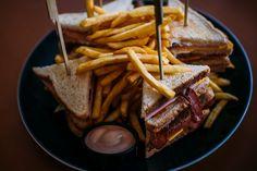 Μπείτε στο Club της απόλαυσης! Ala Burger Quality Foods  Πέτρου Ράλλη 527 Νίκαια 2104920233 Steak, Instagram Posts, Food, Essen, Steaks, Meals, Yemek, Eten