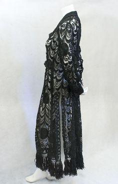 Victorian clothing at Vintage Textile: #2399 lace coat