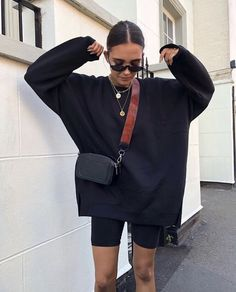 Find Your Inner Fashionista With These Tips And Tricks! – Designer Fashion Tips Black Women Fashion, 80s Fashion, Look Fashion, Fashion Outfits, Fashion Tips, Travel Outfits, Urban Fashion Women, High Fashion, Fashion Online