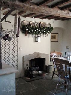 The Paper Mulberry: Christmas wishes from an old farmhouse in England Paper Mulberry, English Farmhouse, Old Farm Houses, Small Houses, Christmas Wishes, Christmas Christmas, Magical Christmas, Christmas Kitchen, Beach Cottage Style