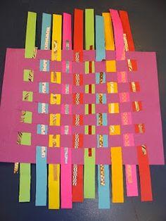 kindergarten paper weaving tutorial (decorative strips were put through a paper shredder) Paper Weaving, Weaving Art, Classroom Art Projects, Art Classroom, Kindergarten Art, Preschool Art, Arts And Crafts, Diy Crafts, Color Crafts