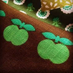 vintage apple fabric Tyger, Vintage Fabrics, Fabric Patterns, Fabric Design, Designers, Textiles, Invitations, Apple, Retro