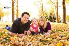 FALL family photos love all of the leaves @Porcha Thompson Thompson Key photography  i love this one too!