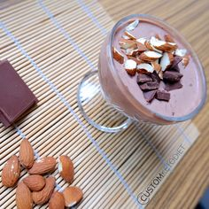 You would definitely like this recipe especially if you're a chocolate lover. Whenever you have sweet cravings, this choco mousse is a great go-to dessert. Just make sure you choose unsweeten… Desserts Keto, Keto Snacks, Dessert Recipes, Keto Foods, Keto Carbs, Keto Meal Plan, Diet Meal Plans, Keto Chocolate Mousse, Chocolate Chips