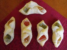 Ildikó receptjei: Rahátos leveles-vajas kifli Cauliflower, Dairy, Pie, Cheese, Cookies, Vegetables, Desserts, Food, Torte