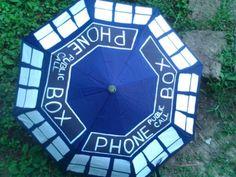 I found 'Doctor who tardis umbrella' on Wish, check it out! Diy Doctor, All Doctor Who, Doctor Who Tardis, Blue Umbrella, Nerd Herd, Dalek, Do It Yourself Projects, Fun Crafts, Geek Crafts