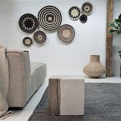 Rectangular Living Rooms, Mid Century Modern Bedroom, Interior Decorating, Interior Design, Baskets On Wall, Living Room Inspiration, Decoration, Home And Living, Living Room Decor