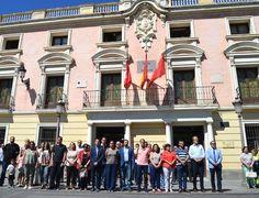 El Ayuntamiento de Alcalá guarda un minuto de silencio en homenaje a los muertos en Niza