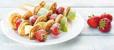 Een ideale snack voor kinderen met poffertjes en fruit, tevens ook leuk als traktatie