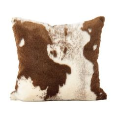 SARO LIFESTYLE Lait Design Urban Faux Cowhide Poly Filled Pillow, Brown - Complete the American cowboy look by bringing in a some Western style, without the fuss of real fur, with our faux fur urban cowboy poly filled throw pillow. Leather Throw Pillows, Cowhide Pillows, Black Pillows, Leather Pillow, Gold Pillows, Cowhide Leather, Eames, How To Clean Pillows, Urban Cowboy