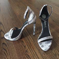 Jeffrey Campbell snake print Burke heels New in box 💗 Jeffrey Campbell Shoes Heels
