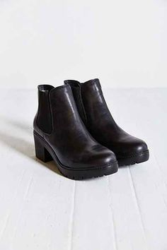 Steve Madden Rumi Chelsea Boot - Urban Outfitters $130