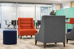 InsideSource | Blue Jeans Network #officespace #officedesign #interiordesign #InsideSource #design #office #furniture #officefurniture #bayarea #coolchair #loungechair