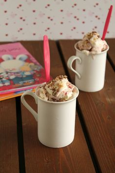 εύκολο παγωτό με μαρμελάδα | theonewithallthetastes.com