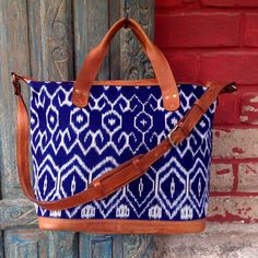 ✨💋💕⚓️☀️ Escape this Weekend with Our Luxury Ikat Weekender! 👄⚓️☀️✨ Travel is Life! 🌞💋☀️✨ . . . . . #travelbags#bluetravelbag#ralphlauren #hip#trendy#trending#classy#travelbags#weekendbag#ikat#indigofabric#trendingbags#fallfashion#fallfashionbags#baglover#fallaccessories #instyle#handwocen#artisanmade#instyle#infashion#instalike#trending #instastyle#lovethisbag