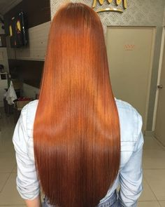 Cabelo impecável da @rufinoadrianaa 👩🏼✨ (Bioextratus 8.4 + Mistura dos Tonalizantes Flamingo com Raposinha) #ruivo #ruiva #redhair… Gorgeous Hair Color, Beautiful Long Hair, Cool Hair Color, Shades Of Red Hair, Red Hair Woman, Hair Color Auburn, Corte Y Color, Cut Her Hair, Very Long Hair