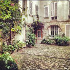 Cour de Rohan #paris #6ème #courtyard | Flickr: partage de photos!