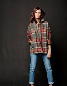 Mäntel   Jacken   Damen. AnziehenKleiderschrankBodenDecke MantelKarierter  ... c2a4d84d0e