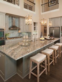 Live Love in the Home: Today's Popular Interior Design Photos - Kitchen Collection kitchen island idea ; Sweet Home, Beautiful Kitchens, Cool Kitchens, Modern Kitchens, Dream Kitchens, 2017 Kitchens, Luxury Kitchens, White Granite Colors, Light Colored Granite