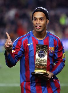 Ronaldinho - Gremio, Paris Saint-Germain, FC Barcelona, AC Milan, Flamengo, Atletico Mineiro, Brazil.