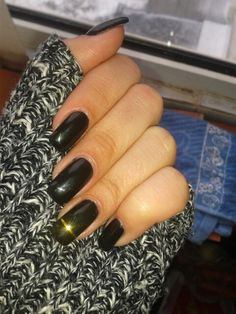 Gel nails #black #gold stripe