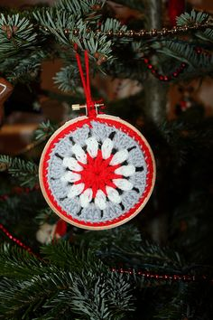 I love Christmas crochet by pati from london, via Flickr