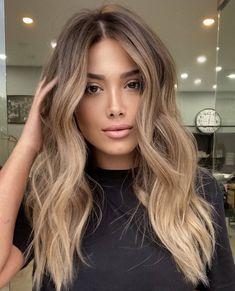 Balyage Long Hair, Balayage Hair, Hairstyles Haircuts, Pretty Hairstyles, Long Hair Cuts, Long Hair Styles, Color Castaño, Hair Color Auburn, Brown Blonde Hair