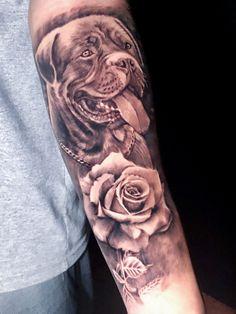 Preto e Cinza na tatuagem: 31 artistas brasileiros para seguir - Blog Tattoo2me Blog, Portrait, Tattoos, Black And Grey Tattoos, Black Style, Solid Black Tattoo, Artists, Tatuajes, Headshot Photography