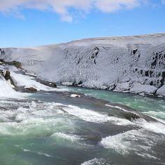 Iceland - Le acque che alimentano impetuosamente Gullfoss, la cascata più larga e spettacolare d'Europa | da Lorenzo Sturiale