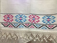 Bargello, Kilims, Diy And Crafts, Quilts, Blanket, Herb, Straight Stitch, Hardanger, Rugs