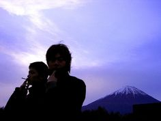 [Champagne]川上洋平・磯部寛之2004/12/4 [Champagne]のボーカル洋平君 と ベースのヒロ君 同じゼミの合宿で早起きしてドライブしました Rock Bands, My Friend, Japanese, Champagne, Fictional Characters, Japanese Language, Fantasy Characters