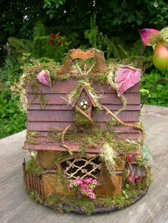 The Fantasy Forest: The Orchid Fairy House ~ Julie McLaughlin Fairy Land, Fairy Tales, Fantasy Forest, Forest Fairy, Kobold, Fairy Crafts, Fairy Furniture, Gnome House, Creation Deco