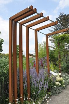 Pergola metal and wood trellis Pergola Diy, Outdoor Pergola, Pergola Shade, Wisteria Pergola, Cheap Pergola, Pergola Ideas, Garden Buildings, Garden Architecture, Garden Structures