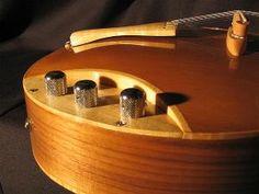 Sankey Guitars - Caramellow