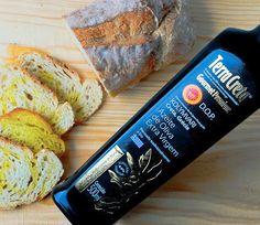 Azeita Extra-Virgem TERRA CRETA.  O mais puro dos azeites, produzido com azeitonas verdes. Trazido da Grécia direto para a sua mesa.