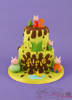 Peppa Pig Cake Ideas 2012 Pics) - Funny Images and Memes To Fill You Up With Geeky Awesomeness – GeekFill Cupcakes, Cupcake Cakes, Pig Cakes, Pig Birthday Cakes, 2nd Birthday, Birthday Ideas, Aniversario Peppa Pig, Cumple Peppa Pig, Jungle Cake
