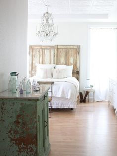 Shabby Chic Bedroom Design Ideas, Pictures, Remodel, and Decor - page 2 Shabby Chic Bedrooms, Home Bedroom, Shabby Chic Bedroom, Bedroom Decor, Eclectic Bedroom Design, Home Decor, Eclectic Bedroom, Eclectic Design, Remodel Bedroom