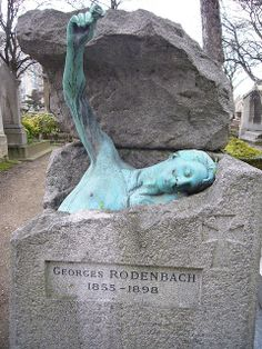 Cimetière de Montmartre, Paris ( CEMETARY TOMBSTONE in PARIS. artist for this did a great job- it is kinda strange for a tombstone though. dontcha think? Cemetery Statues, Cemetery Headstones, Old Cemeteries, Cemetery Art, Graveyards, Angel Statues, Morbider Humor, Unusual Headstones, La Danse Macabre